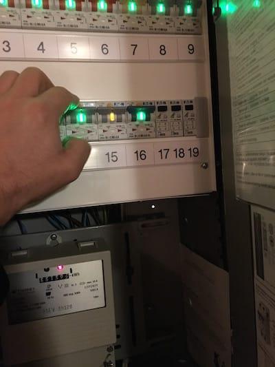 Bilde 9: Test av sikring. Legg merke til forskjellig farge som indikerer jordfeilstrøm